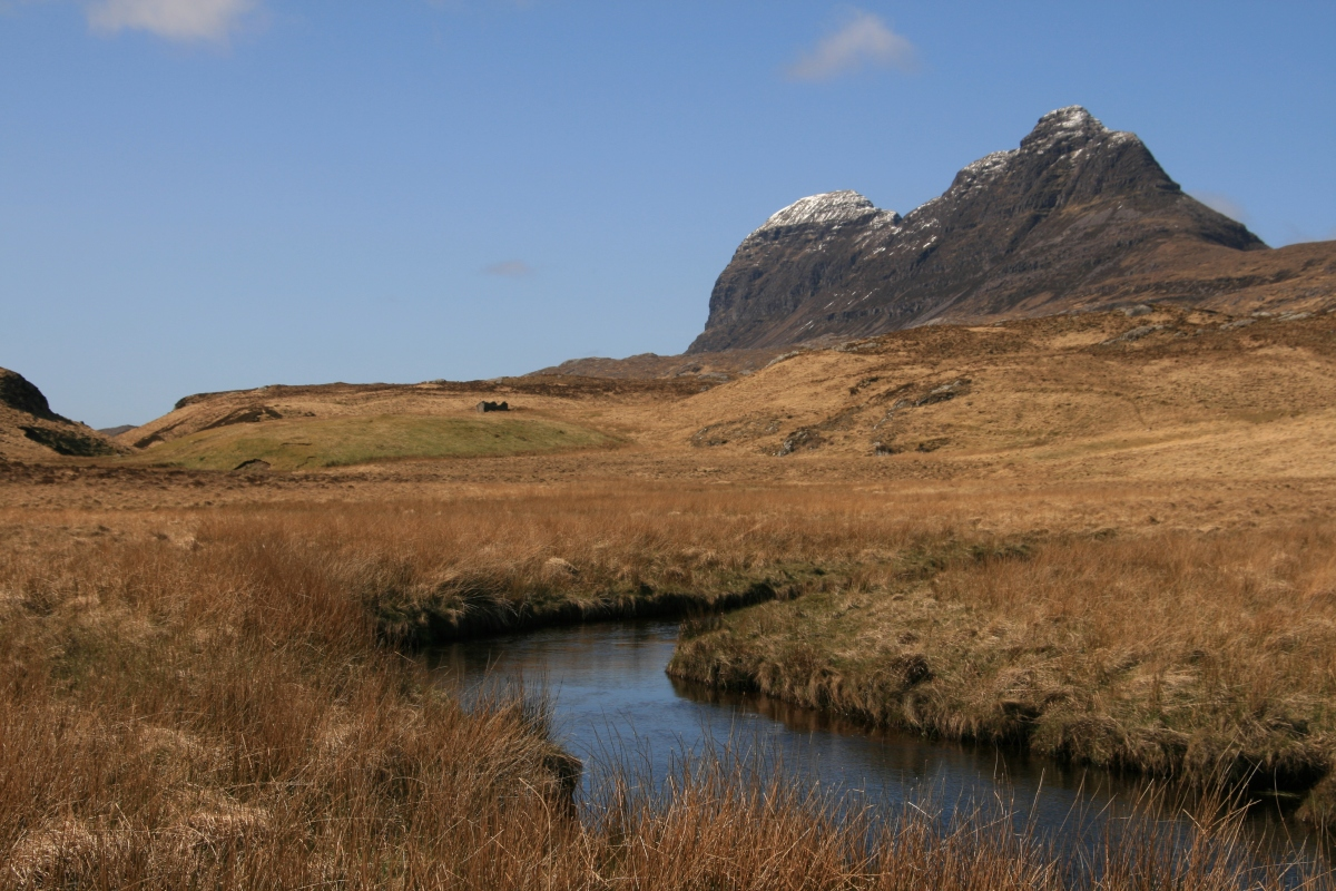 Hiking Around The Cam Loch & Views of Suilven